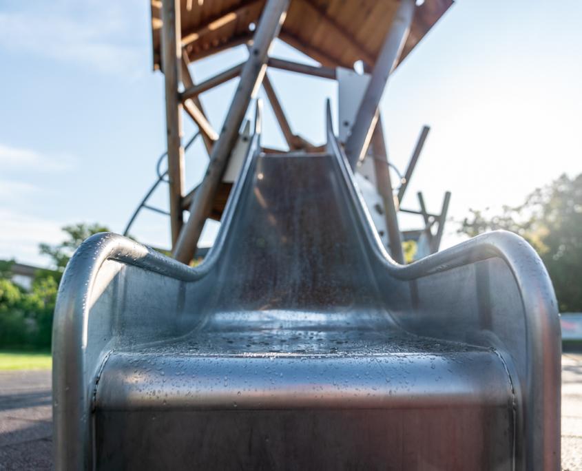 Rutschbahn Spielplatz Schule Fahrweid